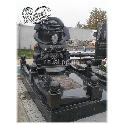 Мемориальные комплексы Цвета камня черный-серый