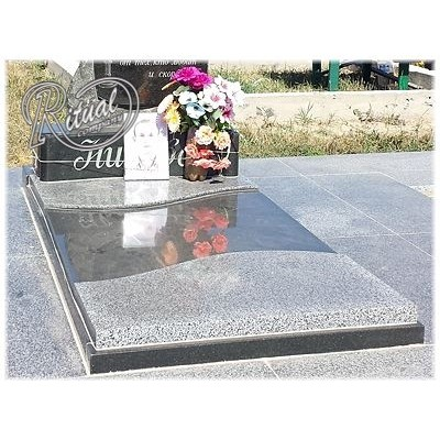 Надгробная плита 12n